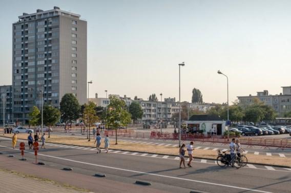 Dronken automobilist rijdt met hoge snelheid tegen afsluiting Antwerps festival