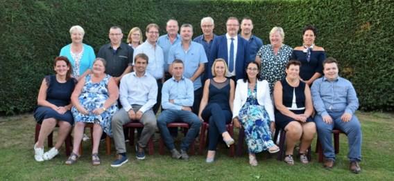 Henk Dejonghe trekt met de lijst 'Open Liberaal' en vijftien nieuwkomers naar de komende gemeenteraadsverkiezingen