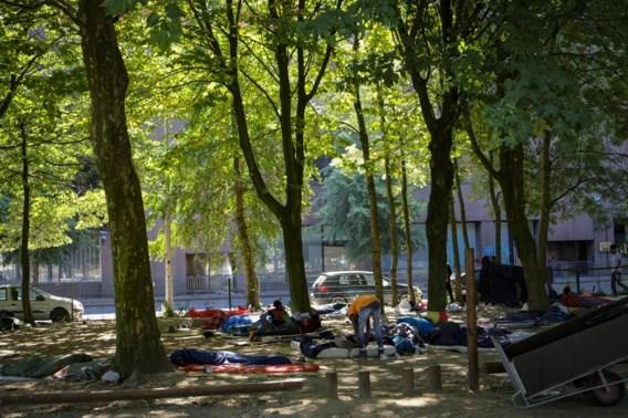 Politieactie in Maximiliaanpark om migranten te verdrijven