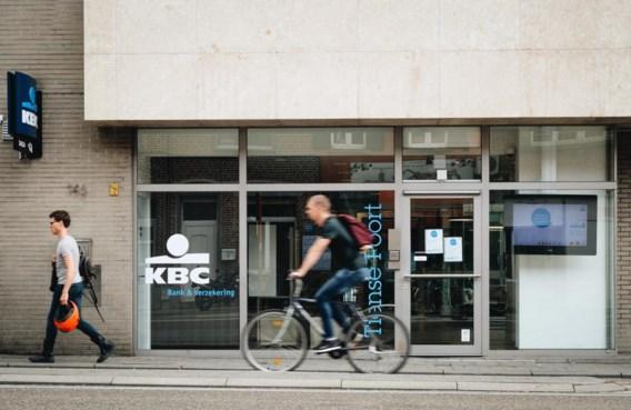 Helft Belgen bezoekt zijn bank alleen nog digitaal