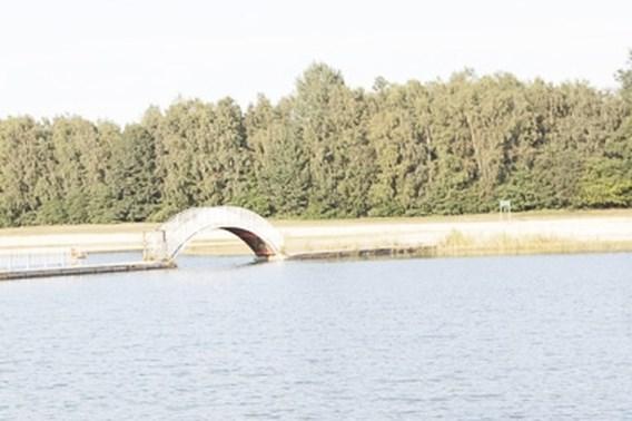 Vierjarige kleuter van verdrinkingsdood gered aan zwemvijver in Hengelhoef
