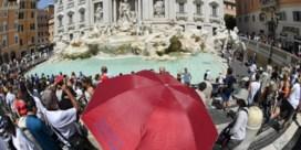 Toeristen vechten om beste selfieplek
