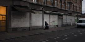 De schemerzones van Brussel: 'We slapen met 14 in deze 2 auto's'