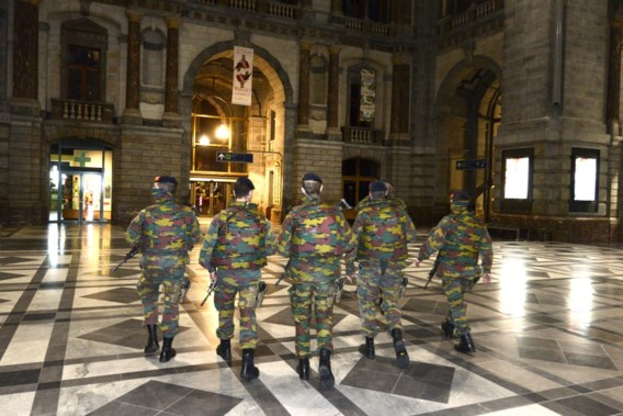 Militairen verdwijnen vanaf september uit stations