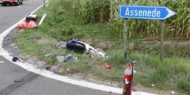 Twee dodelijke slachtoffers bij motorongeluk in Assenede