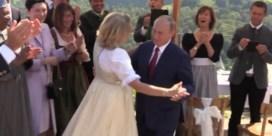De fameuze dansmoves waarmee Poetin een politieke rel ontketende