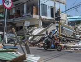 Tien doden door nieuwe aardbeving op Lombok