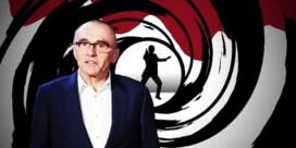 James Bond zit in een lastig parket