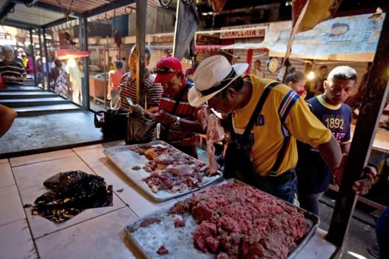 Wanhopige Venezolanen eten rot vlees