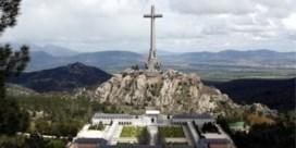 Spaanse regering stemt in met verplaatsing van graf Franco