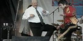 Van een zatte Jeltsin tot een houterige May: dit zijn de meest memorabele dansende wereldleiders