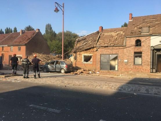 Gasontploffing blaast twee huizen weg in Jurbeke: zeven gewonden