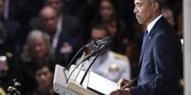 Obama op ceremonie McCain: 'Hij maakte van Bush en mij betere presidenten'