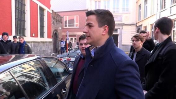 Onderzoeksrechter verhoort makers Pano-reportage Schild & Vrienden
