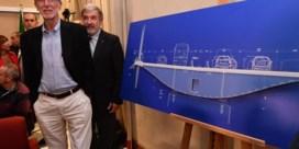 Model voor nieuwe brug in Genua valt uiteen tijdens persvoorstelling