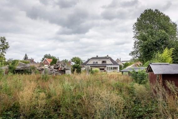 Concreet gaat het om huizen in de Guido Gezellelaan en de Dalenstraat.