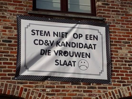 Opmerkelijke kiesslogan: spandoek roept op om niét voor CD&V-kandidaat te stemmen