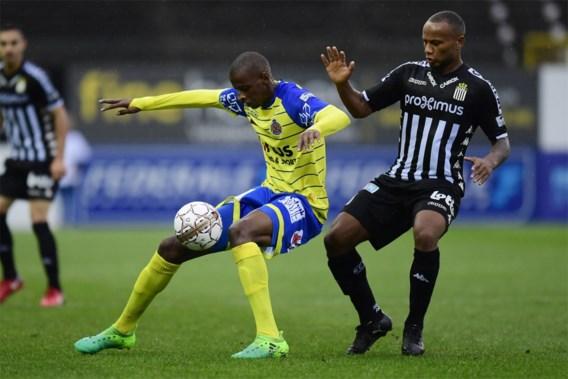 Waasland-Beveren kan ook tegen negen Charleroi-spelers niet winnen