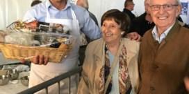 Burgemeester Jo Roggen wint taartenbakwedstrijd