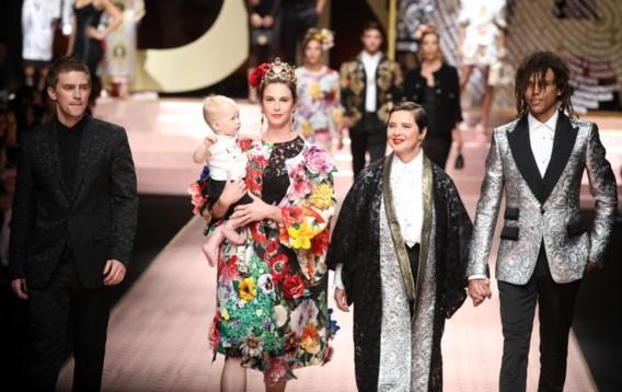 Familie-onderonsje voor Isabella Rossellini op de catwalk