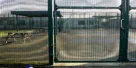 Servische toeriste met baby opgesloten in 127bis: had te weinig geld bij