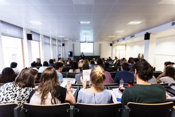 'Laat studenten hun studies terugbetalen, dat is eerlijker'