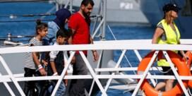 Aquarius draagt opvarenden over aan Malta