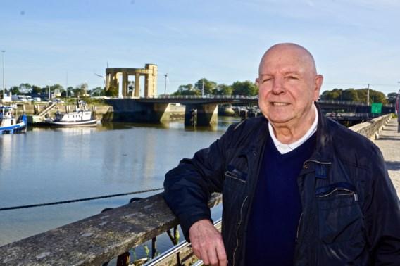 Herman (74) verhuisde naar de kust, maar bleef politiek op zijn honger zitten. Nu wil hij als enige liberaal burgemeester worden