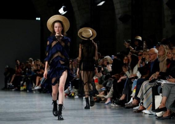 Amper 18 en dit Limburgse model staat al op de catwalk van élke modeweek: 'Noor heeft iets onschuldigs'