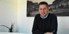 """Kris Poelaert blijft een van de populairste burgemeesters van het Pajottenland: """"Herne wordt bestuurd van onderuit"""""""
