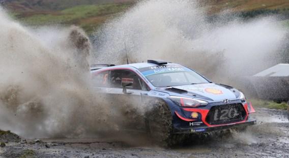 Tänak is op weg naar dubbelslag in Rally van Wales, Neuville kent problemen
