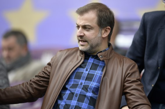 Gerecht jaagt op Mogi Bayat, machtigste voetbalmakelaar van het land