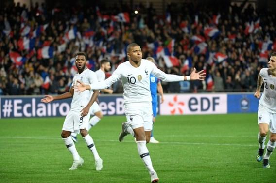 Wereldkampioen Frankrijk ontsnapt tegen IJsland aan eerste nederlaag dankzij goudhaantje Mbappé