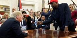 Kanye luncht met Trump: 'Met pet voel ik mij zoals Superman'