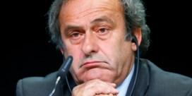 """Geschorste Michel Platini vermoedt """"interne lekken"""" bij FIFA in corruptieonderzoek"""