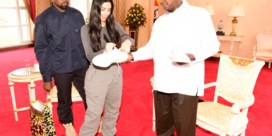 Kanye geeft omstreden president sneakers: 'Dit is <i>meant to be</i>'