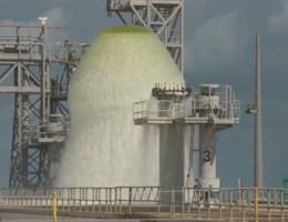 Nasa spuit 1,7 miljoen liter water over lanceerplatform in amper één minuut tijd