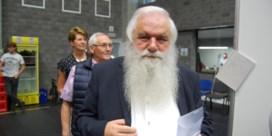 Verraad in de Dorpsstraat: 'Drie keer heeft de haan gekraaid'