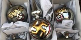 Nazikerstballen te koop op antiekmarkt