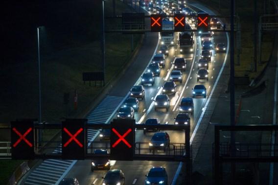 Rijweg E313 opnieuw vrij na zwaar ongeval