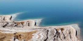 Zeker 18 doden bij overstroming aan Dode Zee, schoolbus meegesleurd