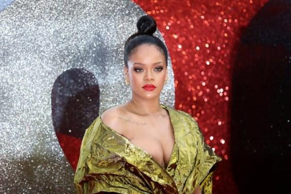 Rihanna gaat zelf uit de kleren voor haar lingeriemerk
