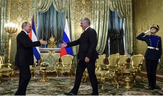 Poetin ontvangt Cubaanse president tijdens eerste bezoek aan Rusland
