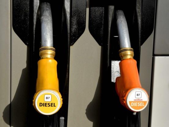 Fransen kunnen hele maand benzine tegen inkoopprijs tanken