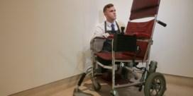 Veiling rolstoel Stephen Hawking brengt zo'n 340.000 euro op
