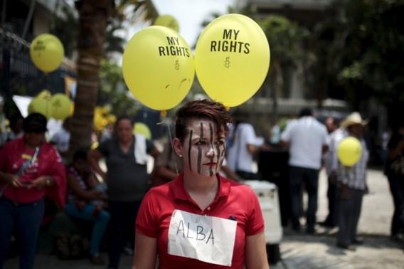 Verkrachte vrouw riskeert twintig jaar cel voor poging tot abortus in El Salvador