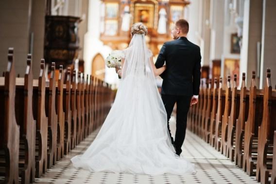Kerkelijke huwelijken en uitvaarten 10 procent duurder