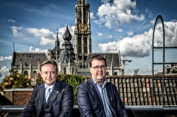 Groen van plan De Wever voor het blok te zetten