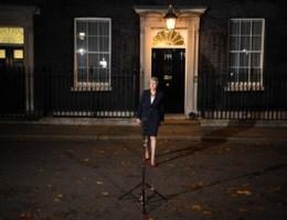 Premier Theresa May krijgt steun van haar regering voor Brexit-deal