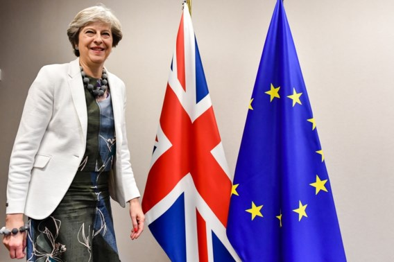 Hoe reageert de Britse pers op Brexit-deal? 'May pleegt verraad'